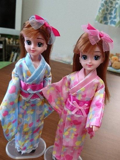 ダイソー エリーちゃんにエリーちゃんの服を着せてみたダイソー エリーちゃんにエリーちゃんの服を着せてみた