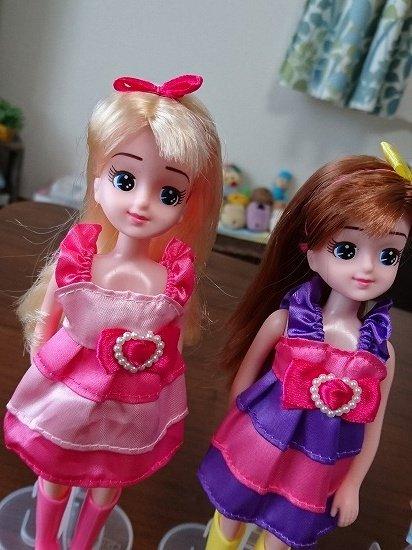 ダイソー エリーちゃんにエリーちゃんの服を着せてみた