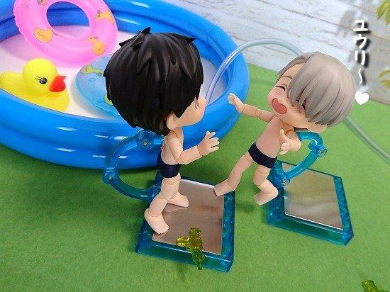 キュポろいど 勇利とヴィクトルでプール遊び