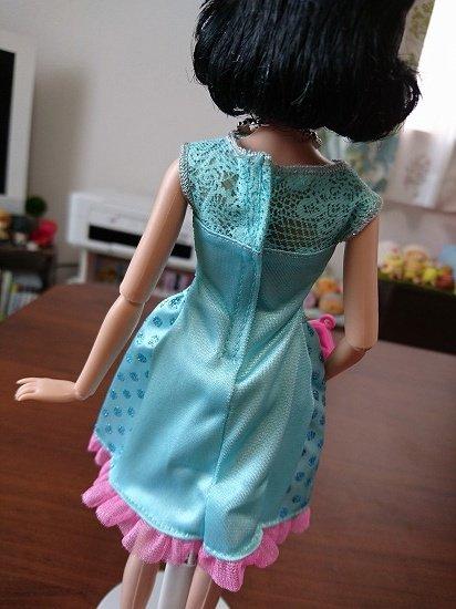 【クラシックドール】ディズニープリンセスにバービー人形の服を着せてみた