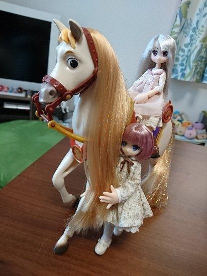 リルフェアリーとラプンツェルの馬マキシマス