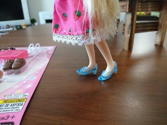 ミディブライス ダイソーのエリーちゃんの服がぴったり